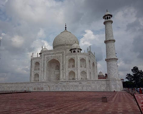 Taj Mahal in cloudy weather | Hobby Keeper Articles