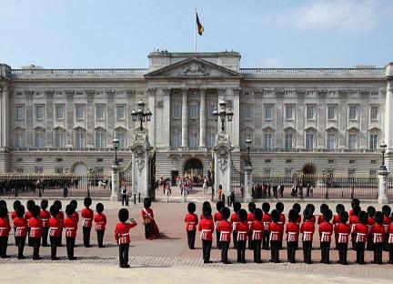 Buckingham Palace   Hobby Keeper Articles
