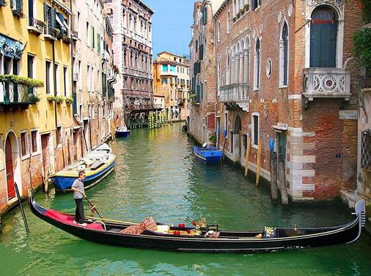 Venice, Italy | Hobby Keeper Articles