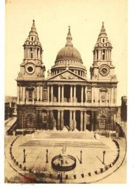 Postcard with the image of St. Paul's Cathedral   Hobby Keeper Articles